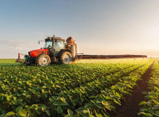 Como utilizar os pulverizadores agrícolas terrestres de forma correta e segura