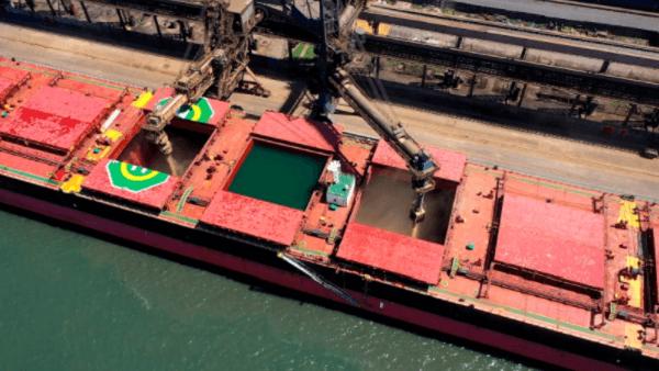 Navio de embarque da soja brasileira para a China